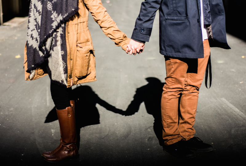 7 Ways To Tell If You're Losing Yourself In Your Relationship
