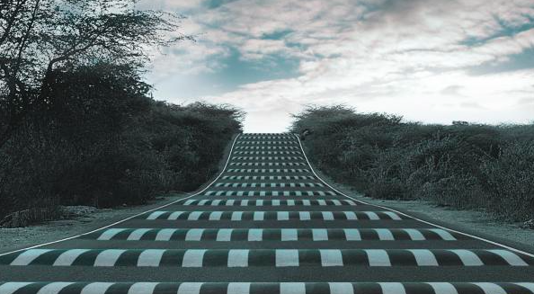 5 Speedbumps You Encounter On Your Way To Your Dream (And How To Overcome Them!)