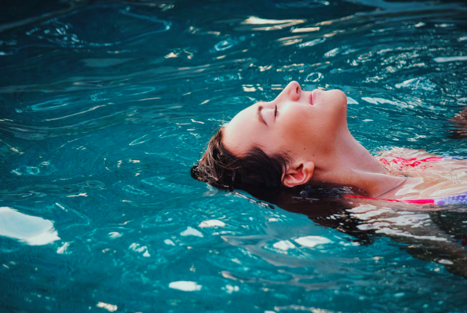 7 Surprising Ways Floating Improves Your Mental & Physical Wellbeing
