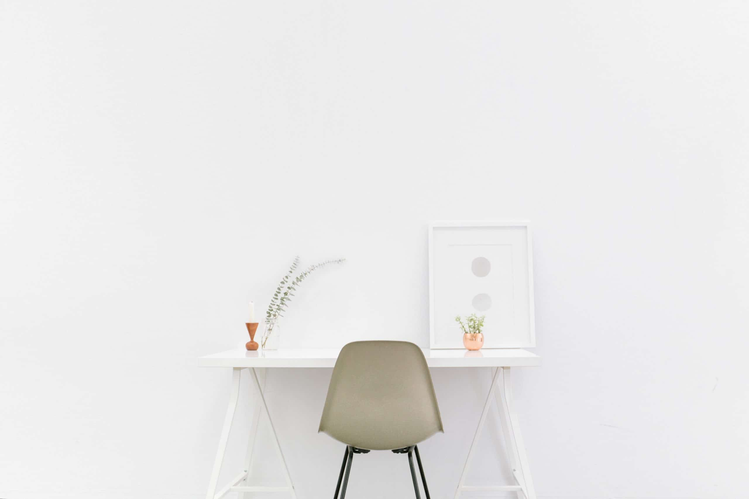 7 Minimalistic Ways To Declutter Your Life